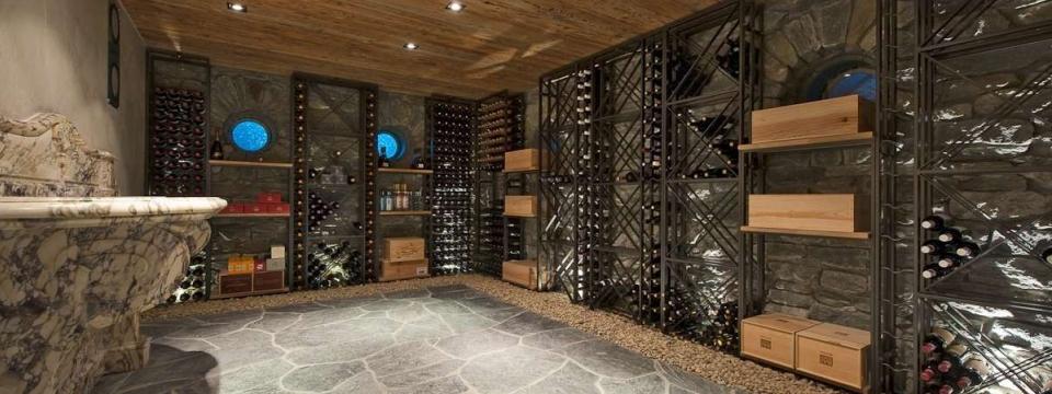 construction renovation de cave a vin au sous sol a montreal. Black Bedroom Furniture Sets. Home Design Ideas